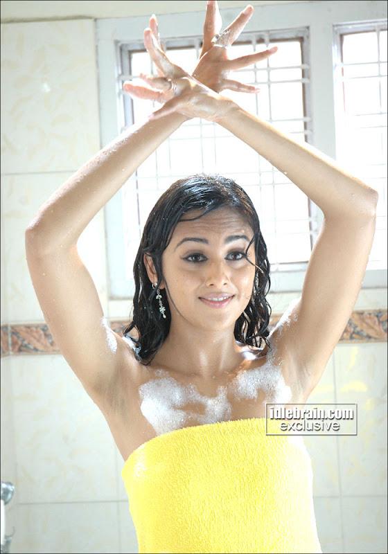 south indian cinema actress hot actress bathing