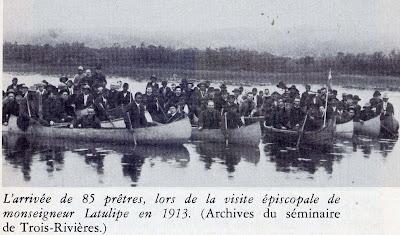 Wemotaci, juillet 1913. Les excursionnistes sur la Saint-Maurice.