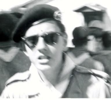 L'auteur du présent carnet, au dépôt Chapea de Paille, en août 1960