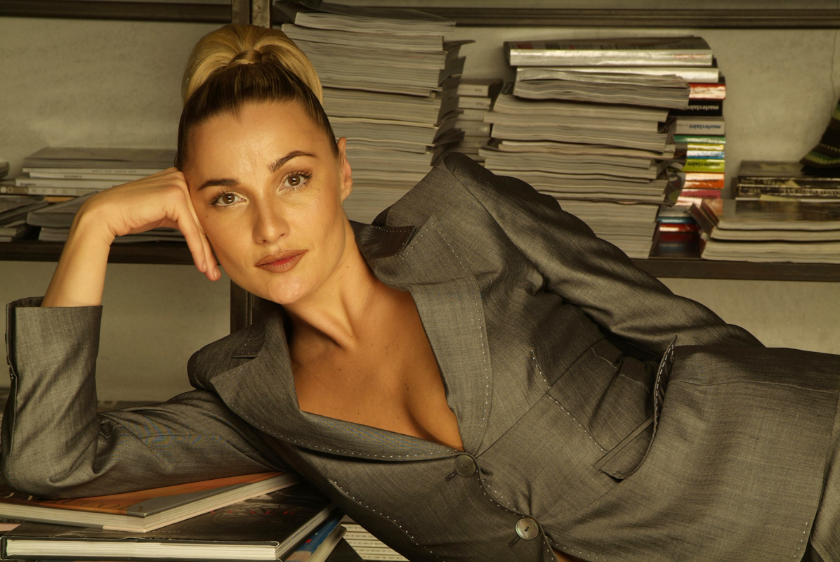 Photo Dj Girl Wallpaper Eurodance Blog Whigfield