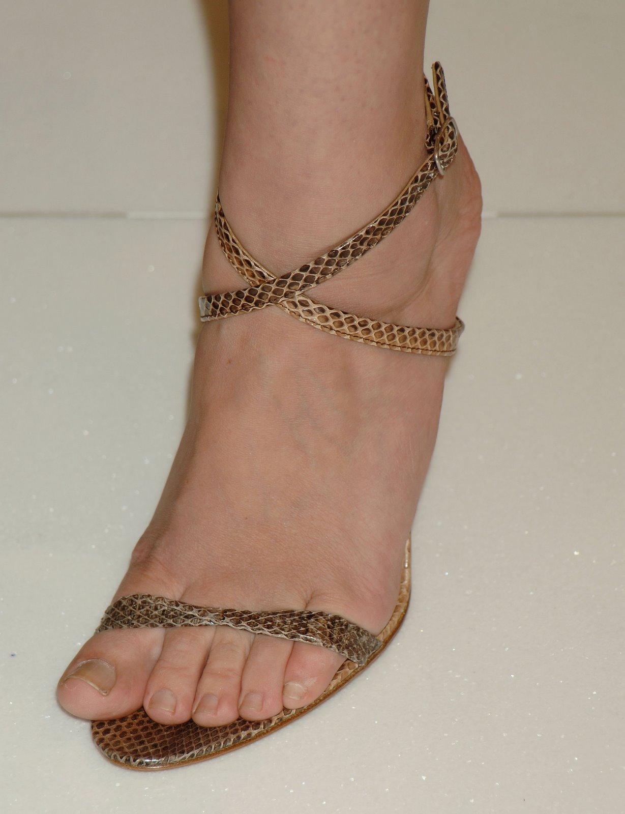 Debra Messing Feet