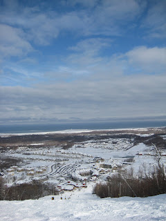 a picture of blue mountain resort and ski hill in collingwood, ontario taken on February 7,2008