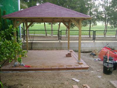 Reformas pergolas en patios suelos rusticos 1 for Suelos patios rusticos
