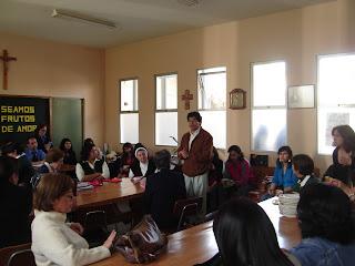 Centro de Padres saludando a los Profesores