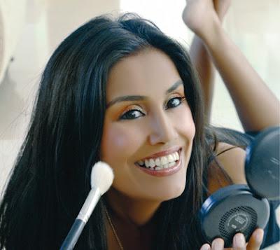 mac makeup techniques. M.A.C Make-Up Artist Vimi