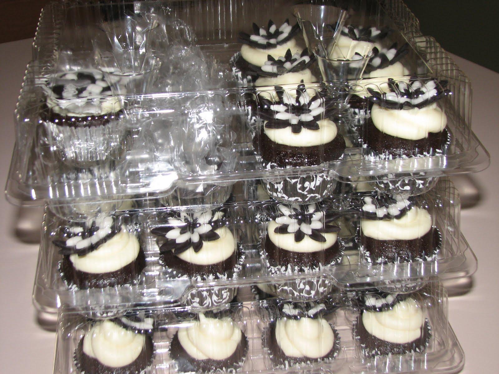 Raider Cupcakes
