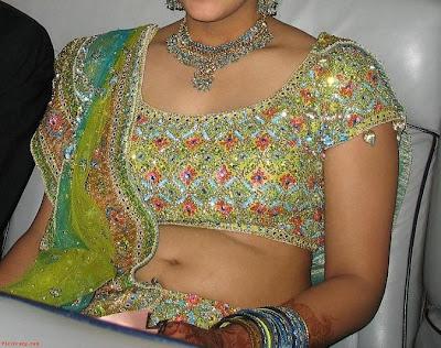 Hot Bikini 2011: Indian desi aunty without saree, chudidhar, Indian