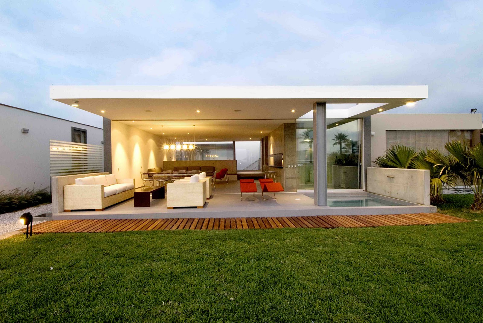 Habitar casa en la isla for Casas minimalistas bonitas