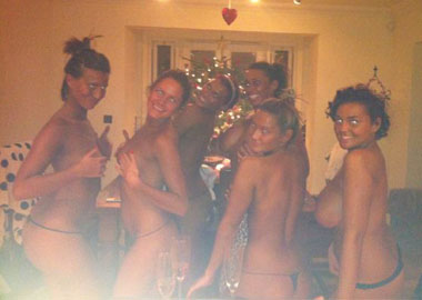 CAROLINA: Naked only way is essex girls