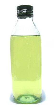 aplicacin de los aceites esenciales es a travs de una dilucin en agua caliente para que as el vapor del agua mezclado con las esencias se absorban