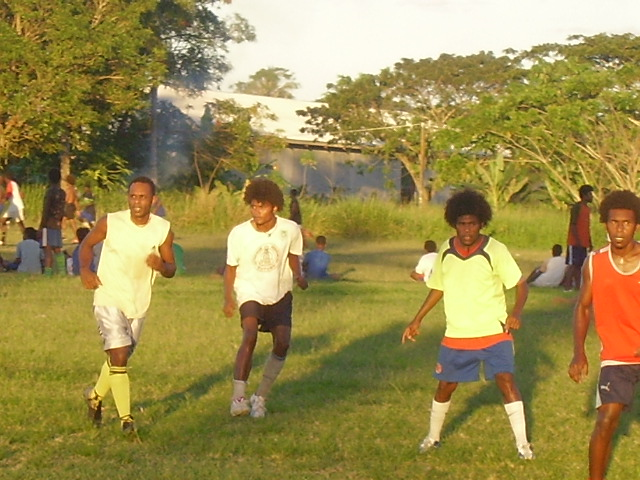 Apollos, Tahi, Ronny & Reginald at training