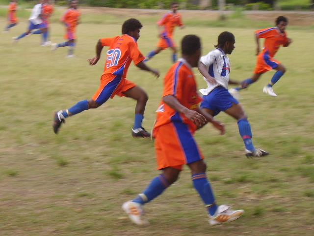 SANTOS PLAYERS RETREATING TO DEFEND AFTER A FAST TOBA KINGZ COUNTER-ATTACK