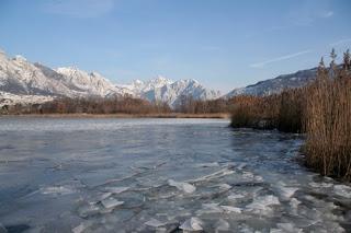 Lago di Annone ghiacciato