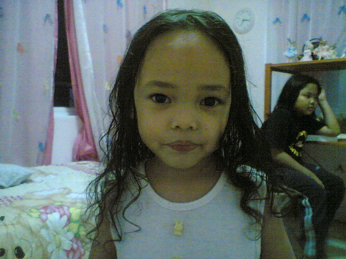 ls models pleasure nway, today is farisah's (in the pict) 7th besday. hepi besday dear! k.frh  x blk putrajaya la this week. xleh nk celebrate ngn awak :)