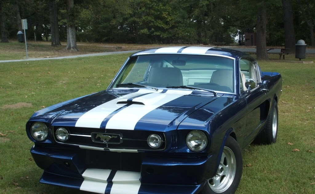 classic ford mustangs ford mustang history past and present. Black Bedroom Furniture Sets. Home Design Ideas