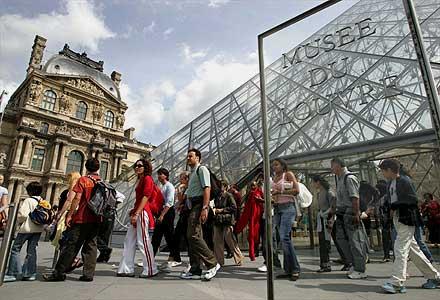 [Louvre.jpg]