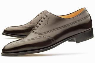 9709b0d6992b9 Cuanto menos recargado sea nuestro Oxford más adecuado será para ser  vestido formal. Esto no significa que el modelo plain sea siempre el más  adecuado.