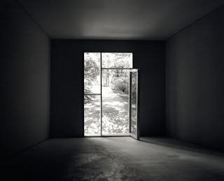 Mayumi Terada, Glass door with path