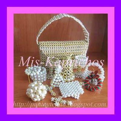 Recuperando viejos trabajos realizados en perlas tejidas y luego bordadas  con perlas más pequeñas f9326089d12