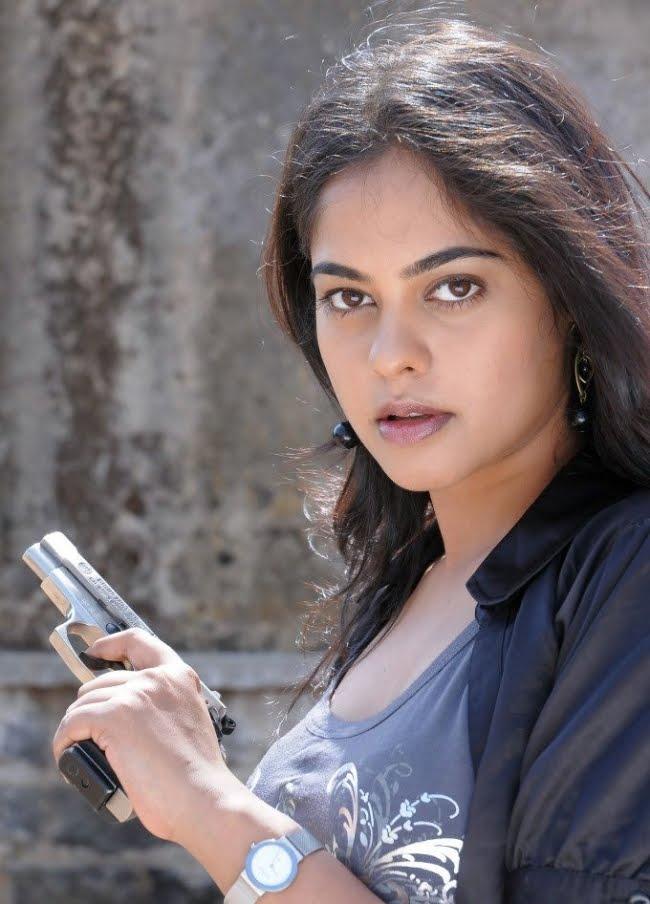 Telugufilmmall Bindu Madhavi Latest Stills From Prathi -8943