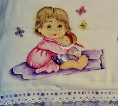 pintura em tecido menininha com boneca