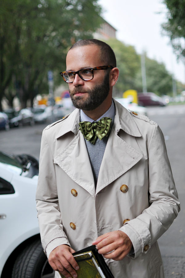 Milan Fashion Week: Angelo in a great bow tie and Wayfarers. Photo: Trendycrew.com
