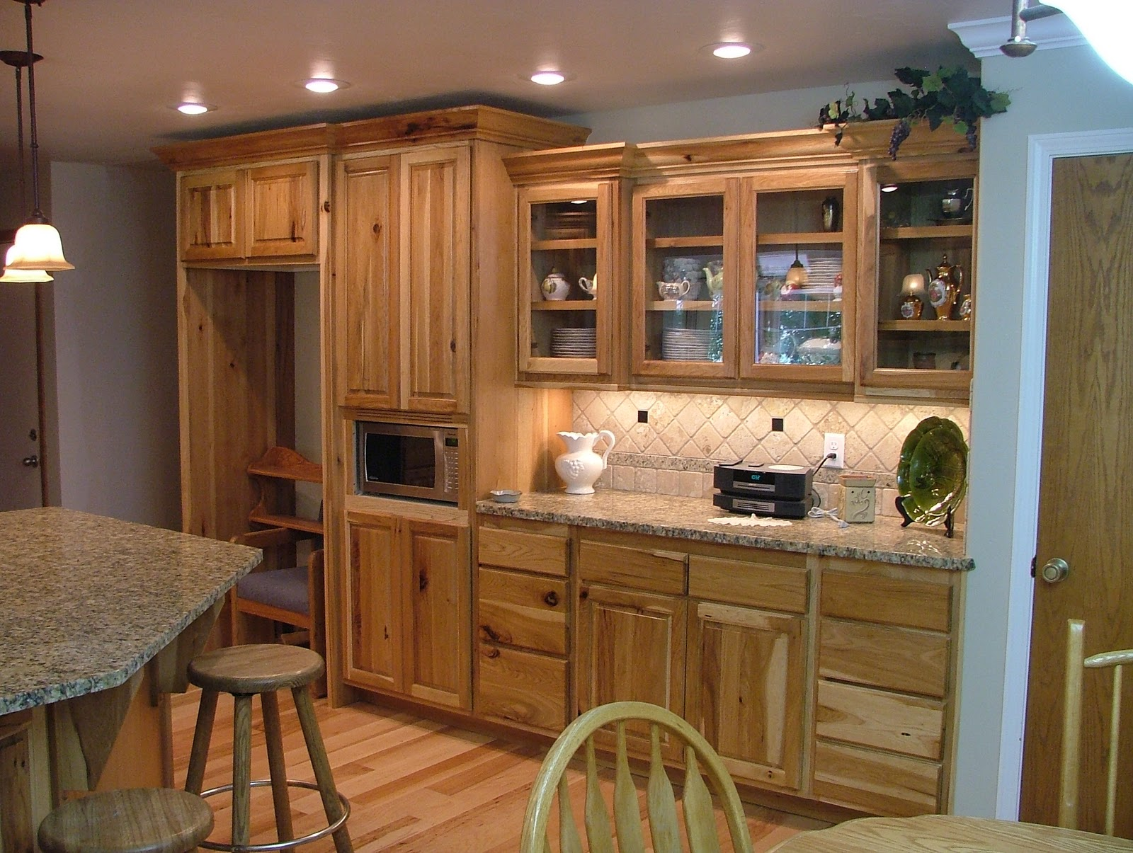 King Cabinets & Woodworks: Kitchens