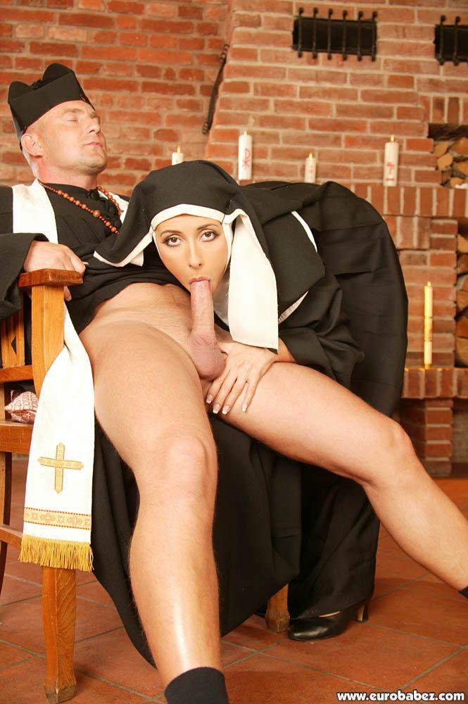 Монашки Впорно Смотреть