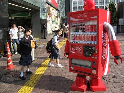 La máquina que vende refrescos ella sola