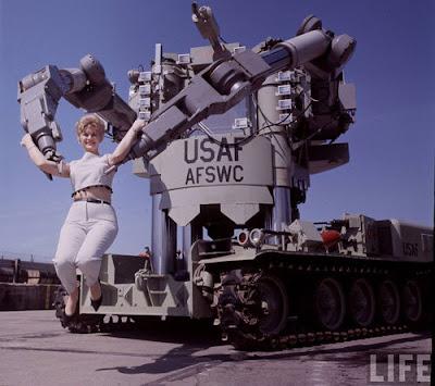 El robot tenía 85.000 libras de tracción en sus brazos.