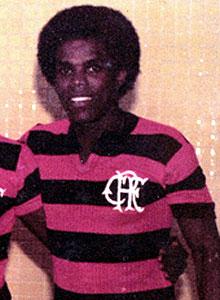 [Claudio+adão+com+a+camisa+do+Flamengo.jpg]