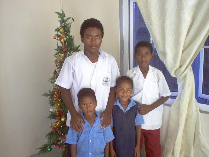 Jason et ses frères et soeur