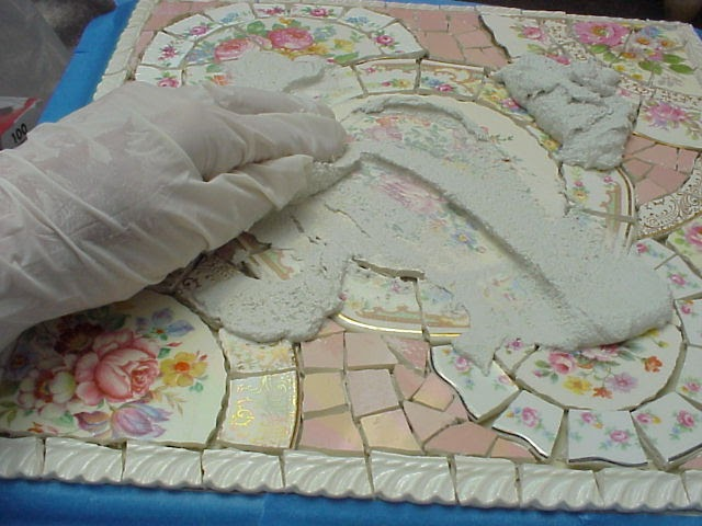BROKEN CHINA MOSAIC HOW TO: HOW TO GROUT YOUR MOSAIC SURFACE