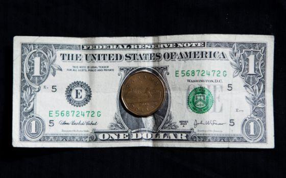 Canadense Ultrapa O Dólar Americano