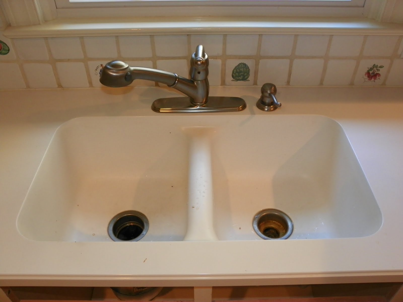 Here We Have A Wilsonart Integral Solid Surface Sink That The Homeowner Would Like To Replace With Stainless Steel Drop In