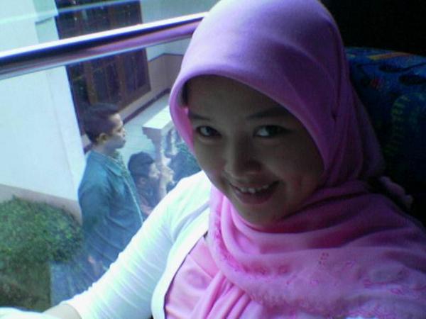 Cantik Kerudung Hijab Jilbab Tudung Seksi June 2009