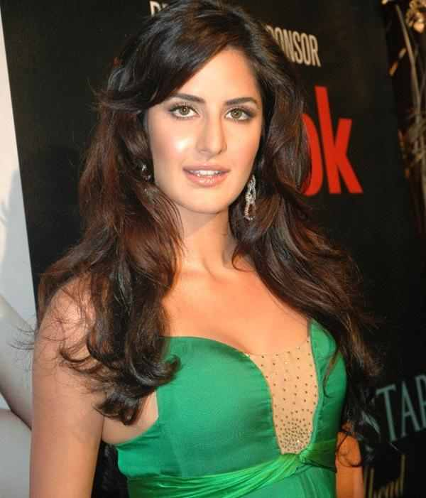 World News: Income Tax Officials Target Bollywood Stars
