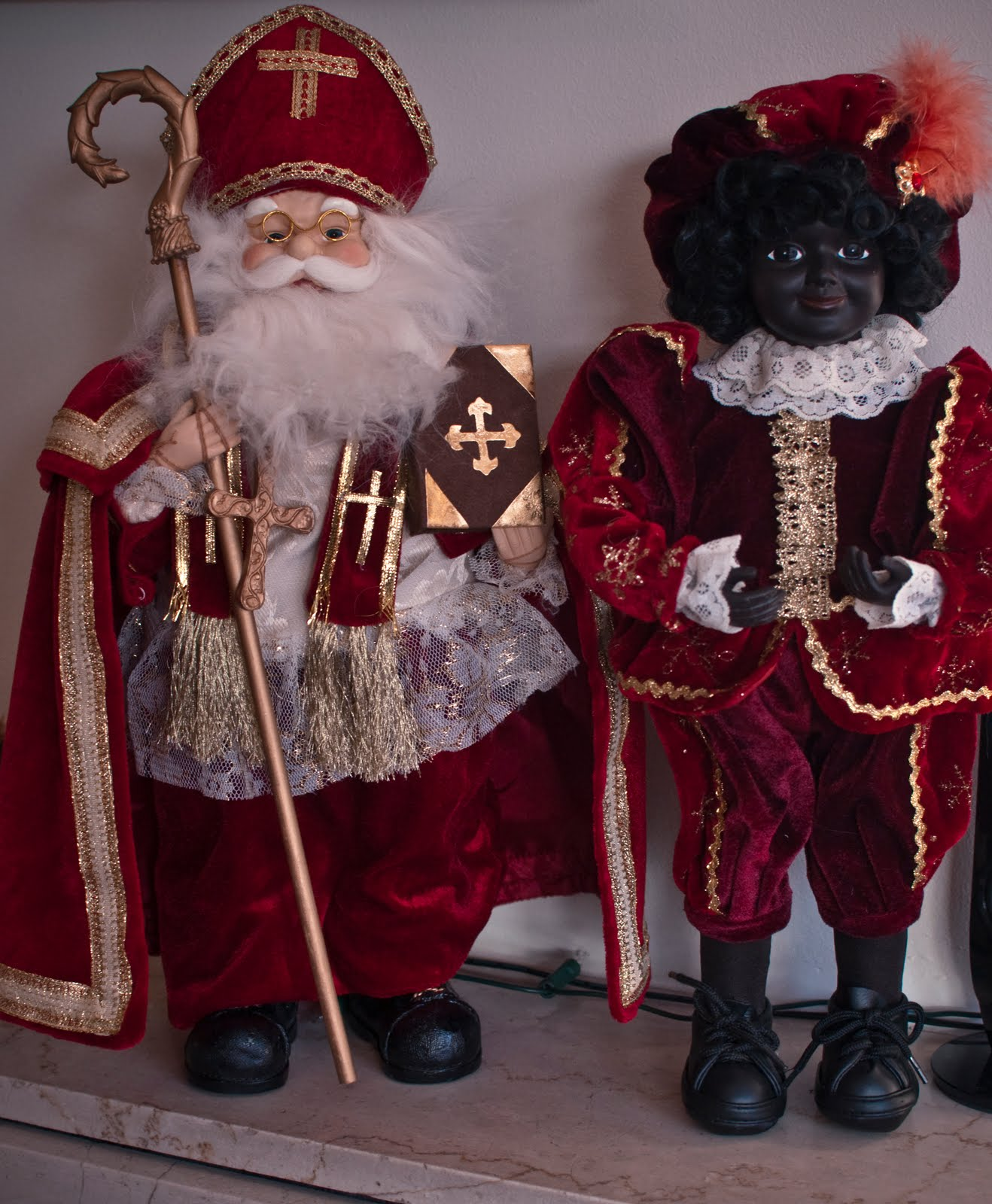 Vaak Expats In Holland: Sinterklaas and Zwarte Piet... the strangest &HO97