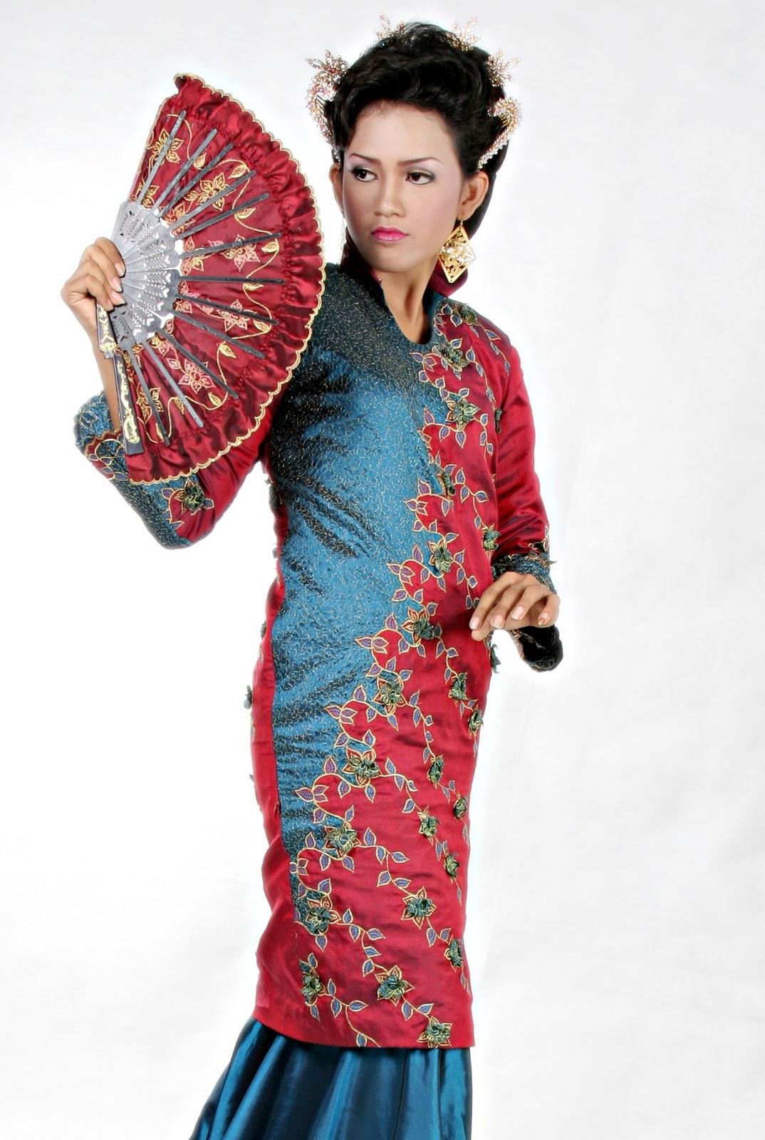 Shirikie Sulaman Bordir Baju KERANCANG
