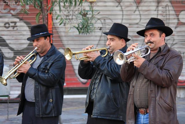 Conhecer Atenas rua a rua no Bairro de Monastiraki | Grécia
