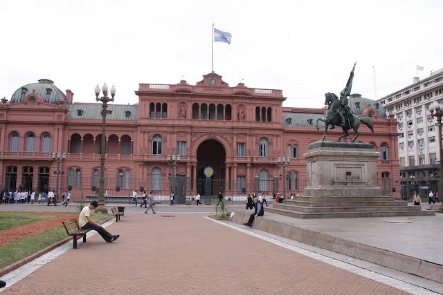 Visitar BUENOS AIRES - Um dia de roteiro do Microcentro a La Recoleta | Argentina