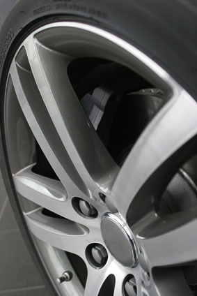 The Offset Is The Distance Between The Wheel Hub To The Rims Centre Rims With A Positive Offset Have The Spokes Closer To The Edge Of The Tyre Wall