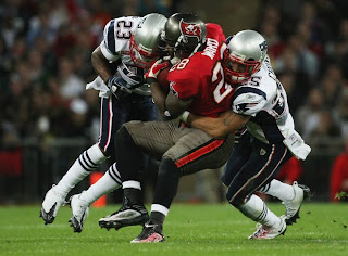 9de95d21 Tom Brady went 23-32 for 308 yards with 3 TD 2 INT. Randy Moss and Ty  Warren both got injured in tonight's game, the severity of each injury  remains to be ...