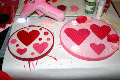 Valentine's Day Embroidery Hoops-w/ Mod Podge Rocks - The ...