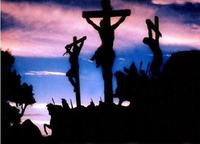 JESUS NA CRUZ DO MEIO