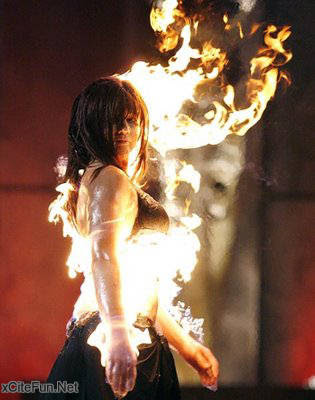 [Image: fire_fashion_show_2.jpg]