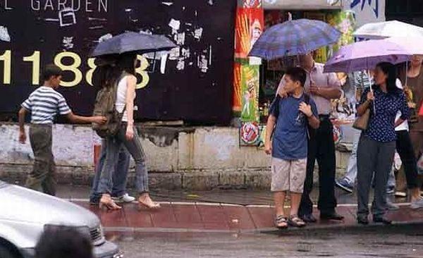 Foto Aksi Pencopet Di China Yang Terpotret Kamera - 12