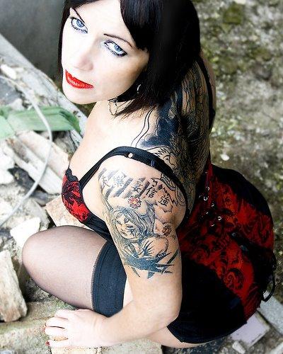 Gambar Tatto Keren di Bagian Tubuh Cewek - 7