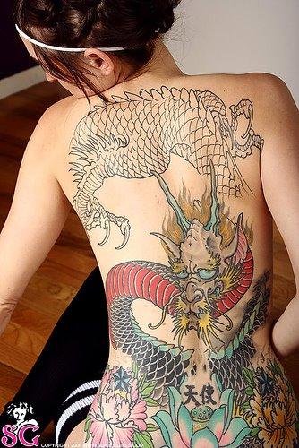 Gambar Tatto Keren di Bagian Tubuh Cewek - 3