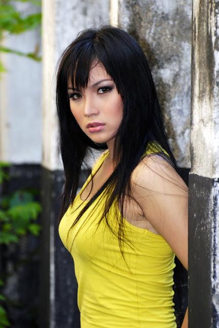Kumpulan Foto Bugil: Chinese actress Xu Qing sexy backless